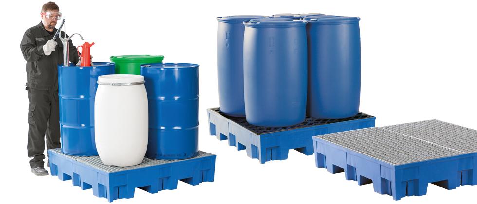 Die Abbildung zeigt die Auffangwanne aus Polyethylen Auffangvolumen 255 Liter, Gitterrost verzinkt, unterfahrbar.