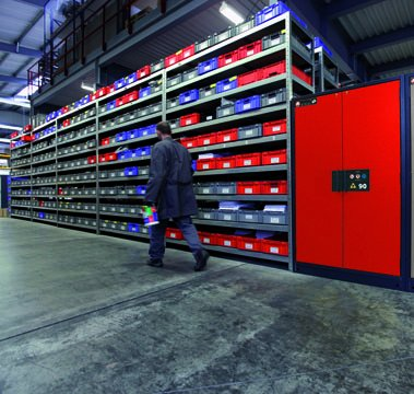 Safety storage cabinet Q-CLASSIC-90 in a warehouse