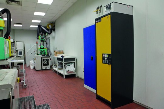 Q-LINE safety storage cabinets at the company PolyOne