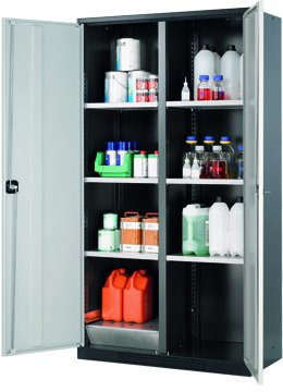 Cabinet for chemicals with horizontal dividing wall