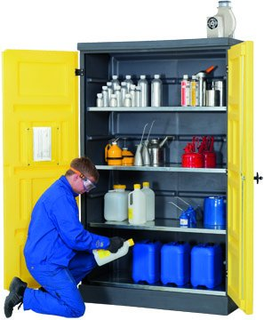 Environmental cabinet made of polyethylene