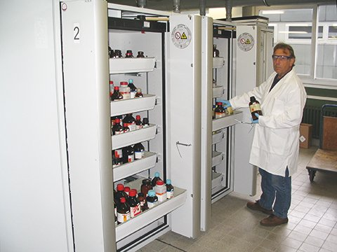 Safety storage cabinets S-PHOENIX-90 at the Justus-Liebig-University in Gießen