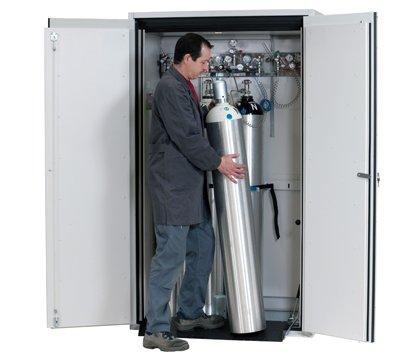 G-ULTIMATE-90 gaz tüpü dolabı, 4 x 50 litreye kadar gaz tüpleri için standart iç ekipmanlı, 120 cm genişlik