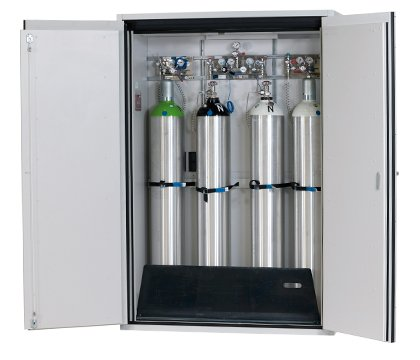 G-ULTIMATE-90: 1400 x 2050 mm (B x H), voor 4 x 50 liter gasfles