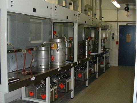 Geschakelde GAP veiligheidswerkboxen voor aftappen en vullen van licht ontvlambare vloeistoffen