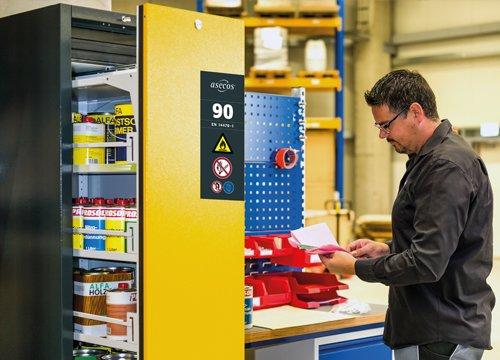 Esempio di applicazione della gamma V-LINE all'industria: V-MOVE-90, larghezza 45 cm, 1 cassetto verticale